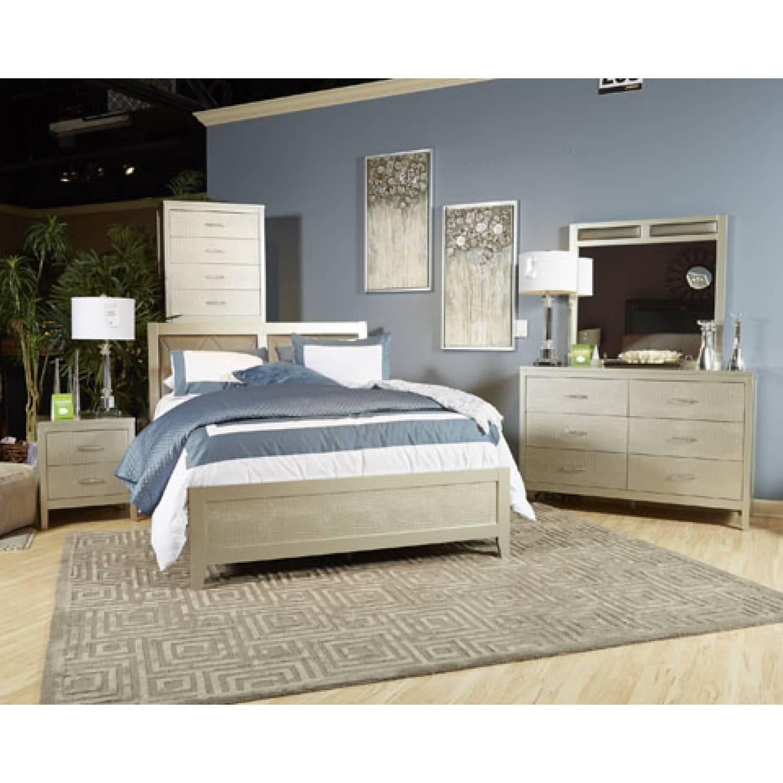 B560 Olivet Queen UPH Panel Bedroom Sets 4 Piece
