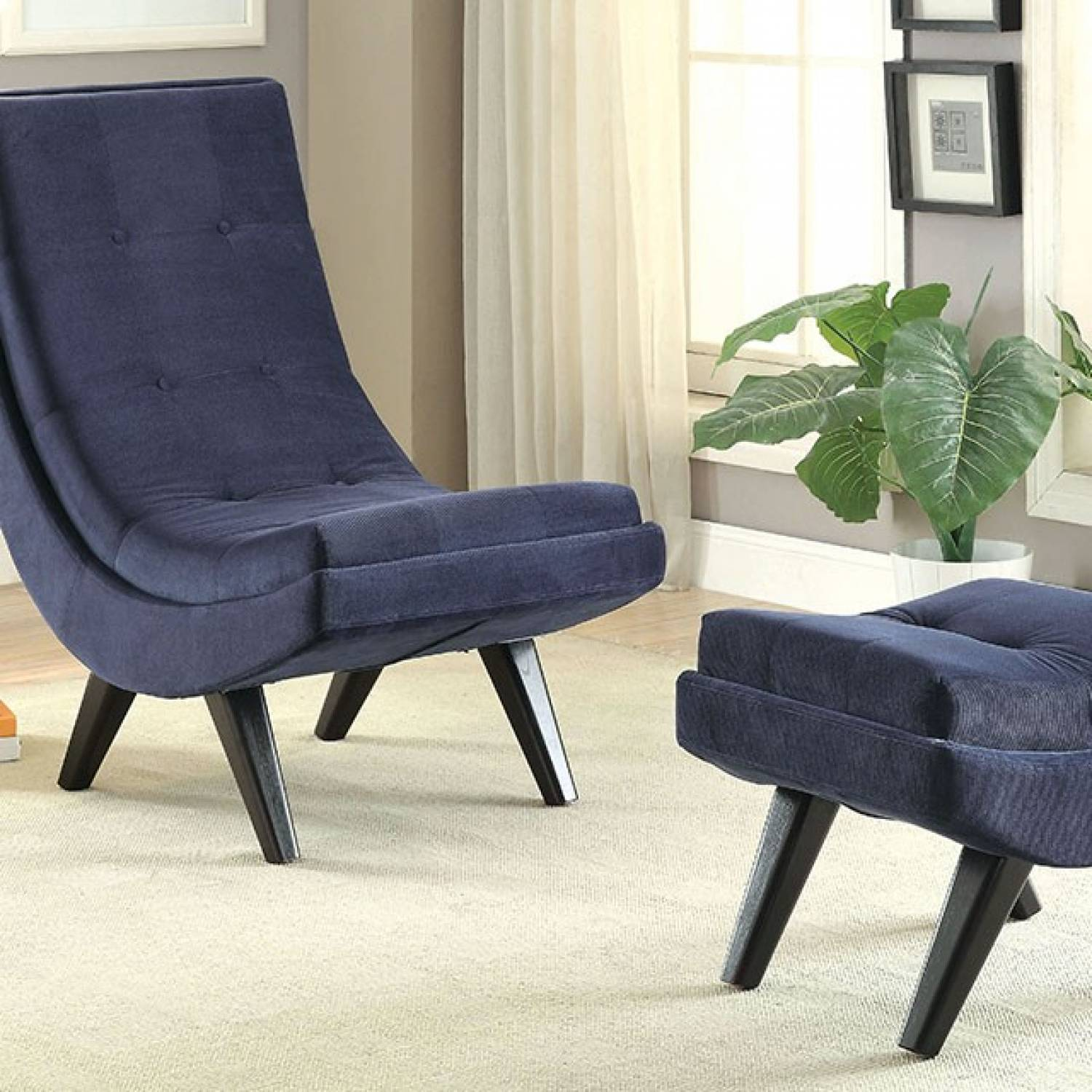 esmeralda chair w